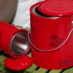 塗料缶を真っ赤に塗ってアメリカン雑貨風小物入れに